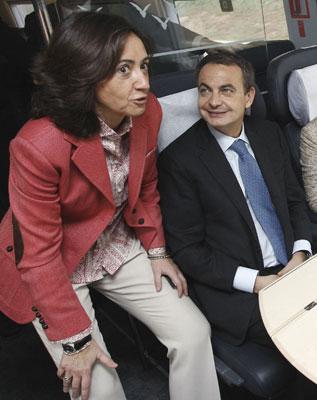 Rosa Aguilar conversando con Zapatero